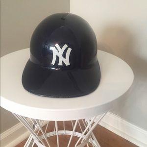 741ed7a4606 Nike MLB Other - New York Yankee Genuine Helmet